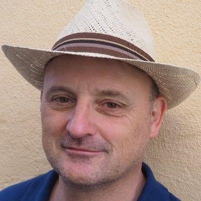 Dr. Olivier Thomas